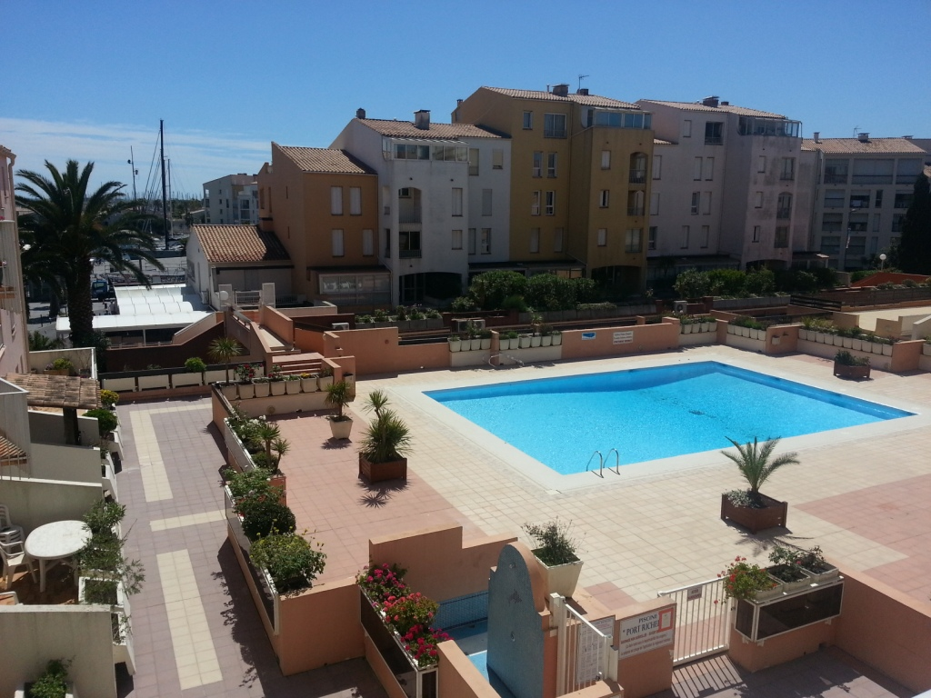 Location appartements port richelieu iv location vacances for Le jardin inattendu agde