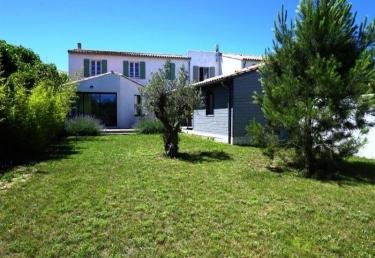 Location La Flotte Ile De Re Sur Jardin Clos Spa Maison De Vacances