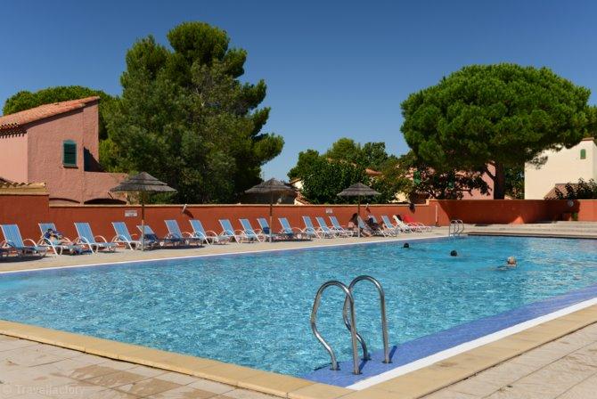 Location h tel club les alb res location vacances for Hotel perpignan avec piscine