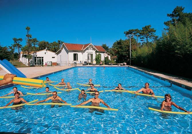 Location village club du soleil ronce les bains 3 for Club piscine soleil chicoutimi