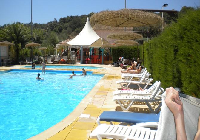 Location camping les jardins du mai tai location vacances - Camping saint aygulf avec piscine ...