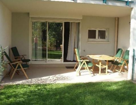 les jardins de jade saint raphael. Black Bedroom Furniture Sets. Home Design Ideas