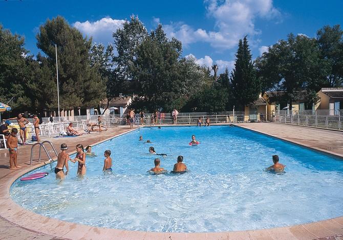 Location camping le domaine de gavelier location vacances for Camping mandelieu la napoule avec piscine