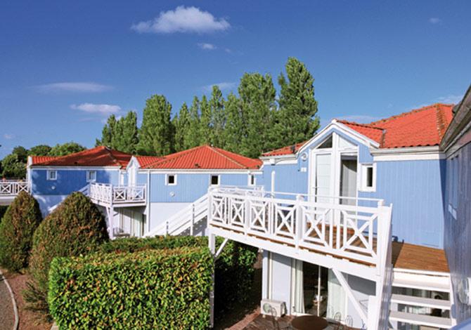 location resort marans la rochelle 3 location vacances marans. Black Bedroom Furniture Sets. Home Design Ideas