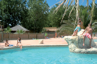 Location camping montpellier plage annule location for Camping montelimar piscine