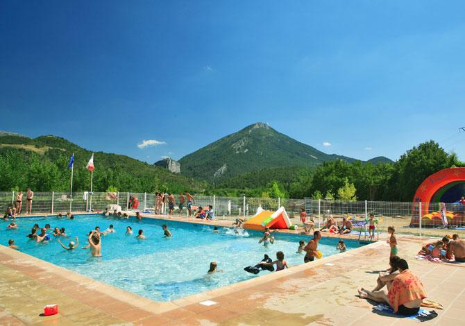 Location camping international location vacances castellane for Piscine castellane