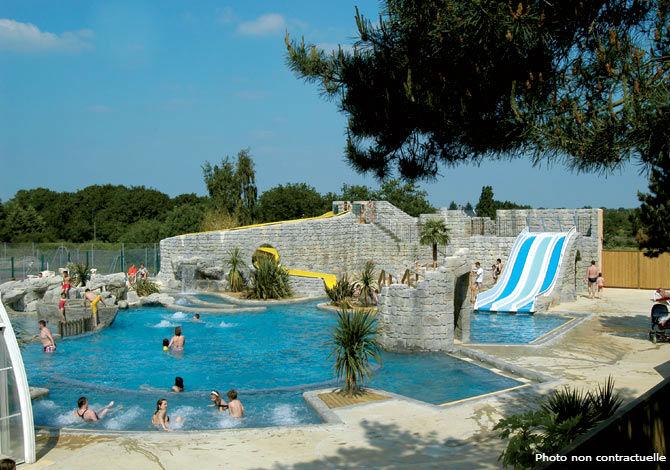 Location camping domaine du l veno location vacances for Piscine guerande