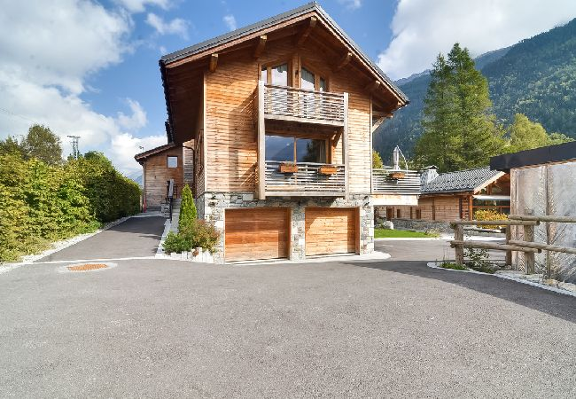 Chalet moderne vue Mont Blanc a Chamonix - Hebergement + Forfait + Materiel de s