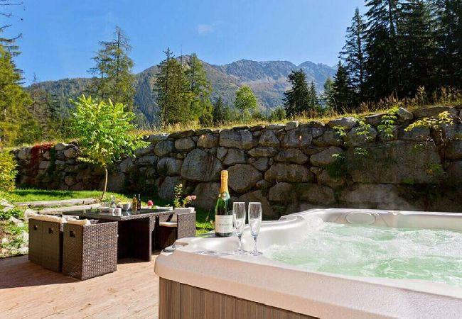 Chalet - Chalet sur les pistes, avec spa, à Chamonix-Argent
