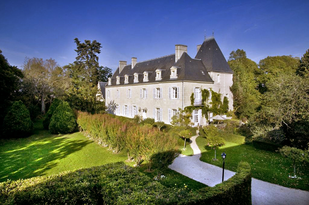Chateau Gombardy And Cottage