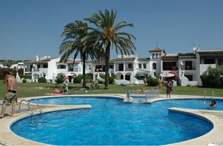 Vacances : Villas Cache-Cash avec piscine communautaire ...