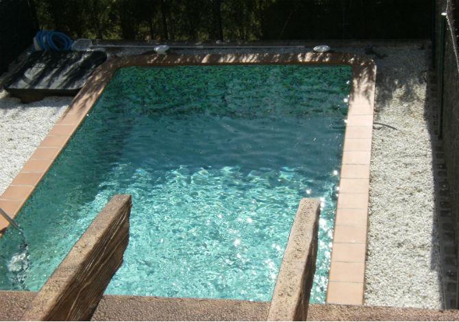 Location villas cache cash avec piscine priv e l 39 escala for Promotion cash piscine