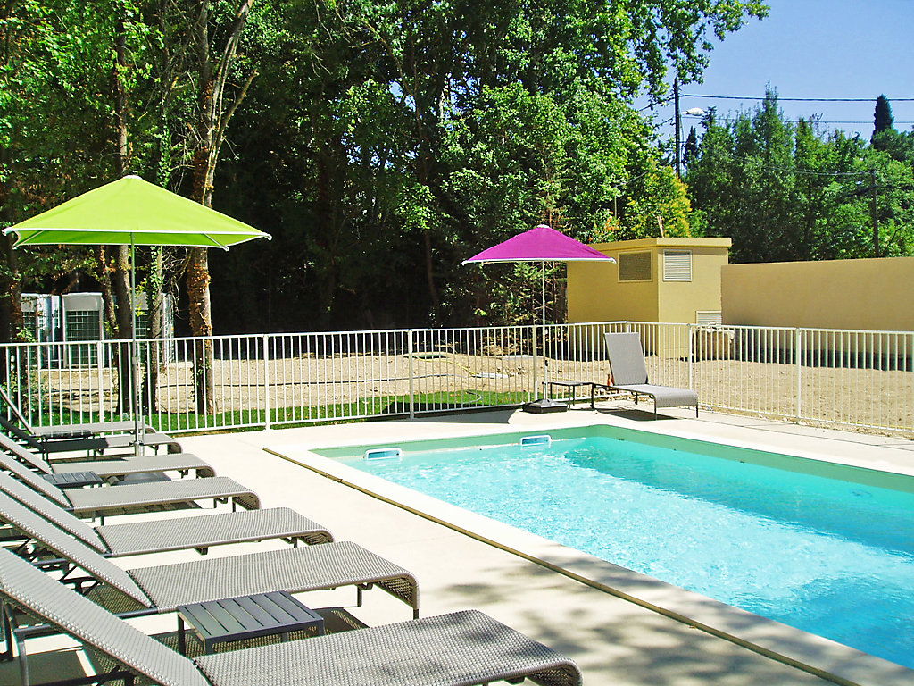 Camping aix en provence location mobil home aix en - Camping aix en provence avec piscine ...