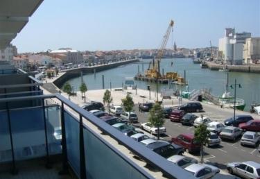 Vacances : Avec une belle vue sur le port de pêche