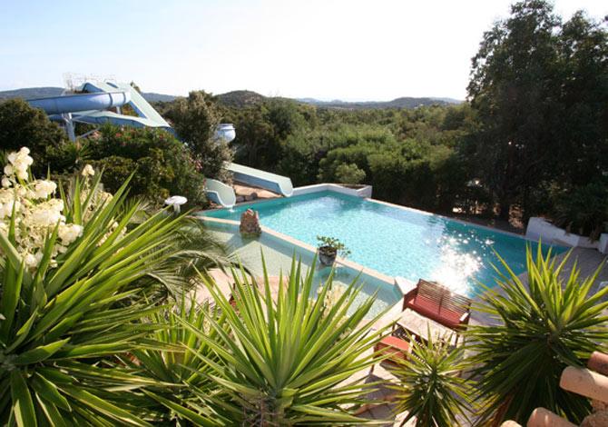 Location camping pitrera village location vacances for Camping avec piscine corse du sud