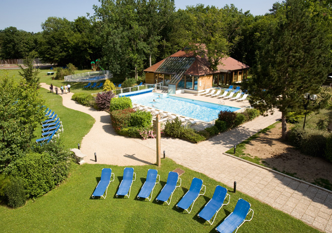 Location novotel fontainebleau convention spa for Piscine fontainebleau