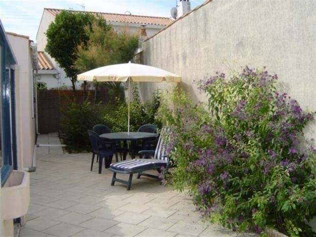 Location rue de parisse la chaume maison de pecheur renovee cour locatio - La maison des pecheurs ...