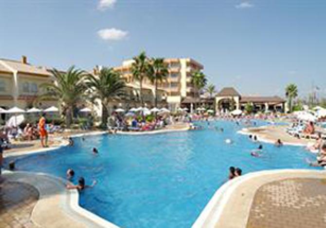 Location h tel pueblo camino real sh location for Hotel kristal torremolinos piscina