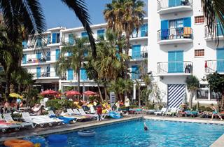 Appartement malgrat de mar 20 locations appartements for Cash piscine espagne
