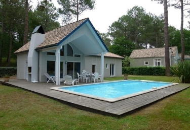 Vacances : Maison avec piscine sur le golf de Biscarross...