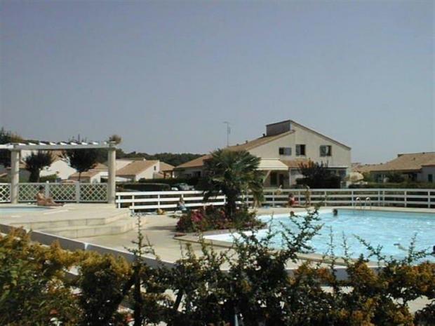 Location saint palais sur mer villa de vacances dans la for Camping st palais sur mer avec piscine