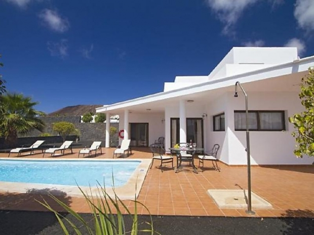 3 Bedroom Villa, private Pool.