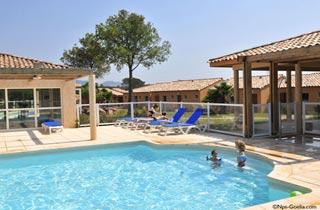 Vacances : Le Village Azur ***