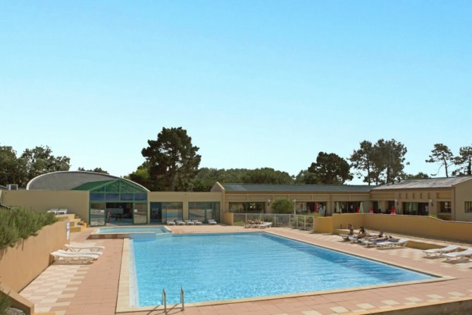 Camping Domaine des Pins 4*