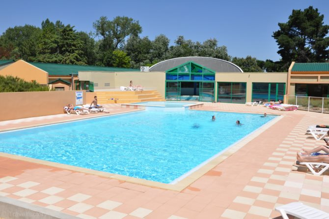Location camping domaine des pins 4 location vacances for Piscine st hilaire