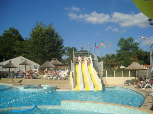 Location camping les biches 5 location vacances saint for Piscine saint hilaire de riez