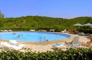 Camping avec piscine midi pyr n es for Camping cahors piscine