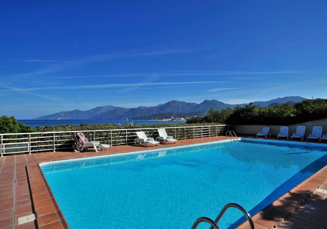 Location r sidence suarella location vacances saint florent for Piscine saint florent