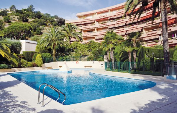 Location r sidence les terrasses location vacances cannes for Piscine mandelieu