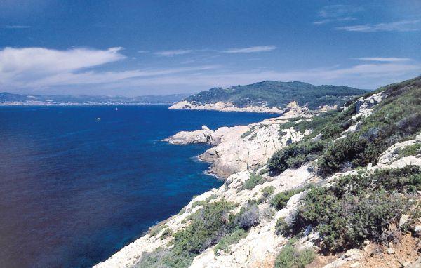Location domaine du port d 39 alon location vacances saint cyr sur mer - Camping port d alon saint cyr sur mer ...