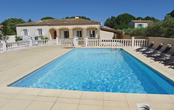 Vacances : Castillon-du-Gard FLG263