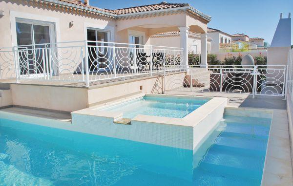 Location vacances b ziers r servez votre location for Camping en languedoc roussillon avec piscine