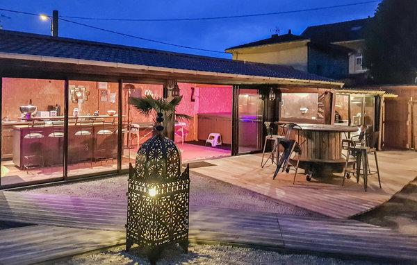 Location saint jean de moirans fri004 location vacances for Piscine moirans