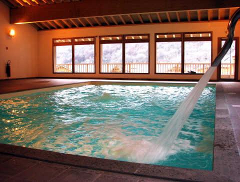 Location hameau eaux d 39 orelle 46915 location vacances for Piscine val thorens