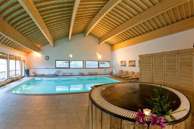 Location hameau eaux d 39 orelle 47274 location vacances for Piscine val thorens