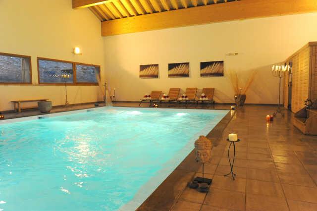 Location hameau eaux d 39 orelle 47281 location vacances for Piscine val thorens