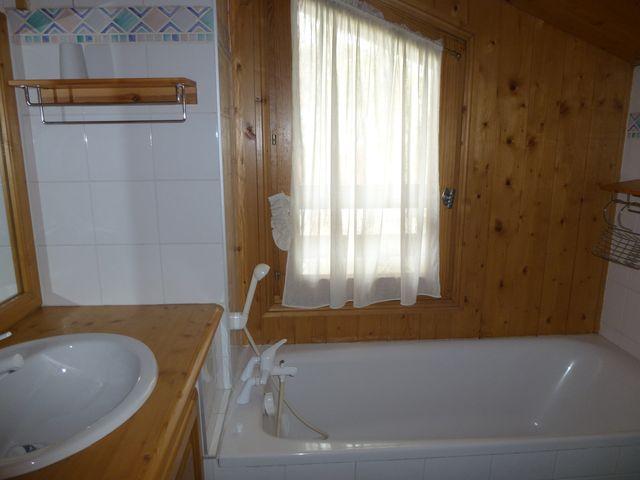 location hameau des sapins rouges 50956 location vacances meg ve. Black Bedroom Furniture Sets. Home Design Ideas