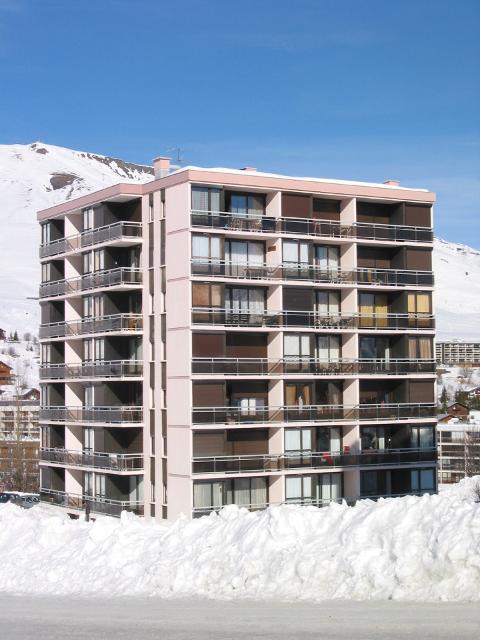 Apartments Coq De Bruyere