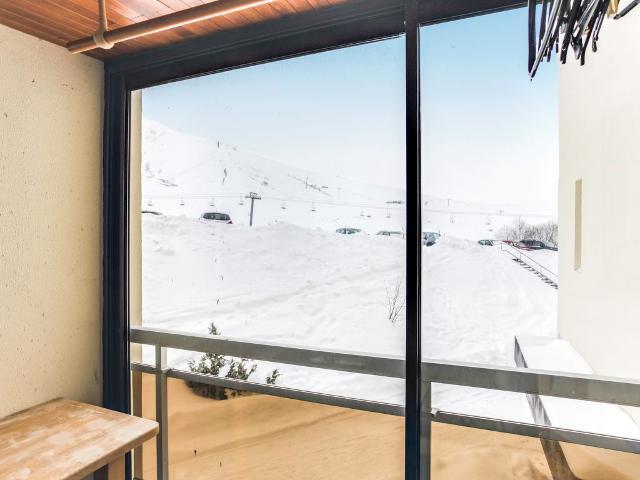 Apartment Simiane FR7373.180.1