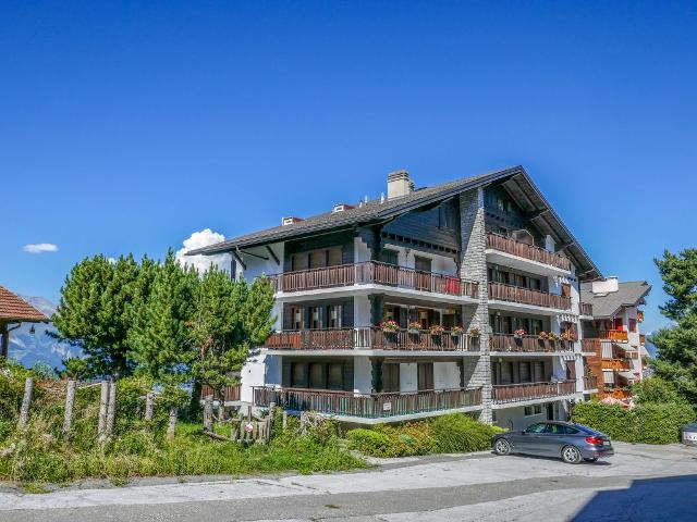 Apartment Mont-Soleil CH1961.663.1