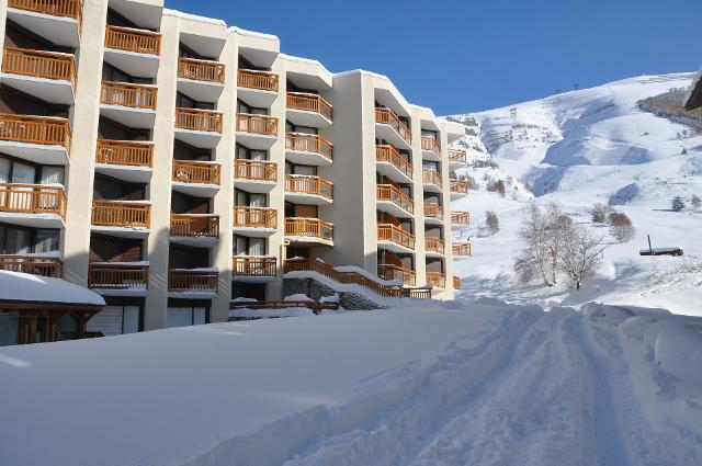 Apartments 3300 48000020