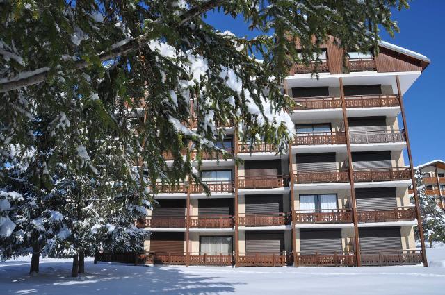 Apartments Eperon 3 56000345